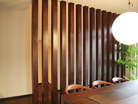 化粧柱 「床から天井までを化粧柱で通して、間仕切りのようにしたい」 ウィンドウを閉じる 樹種: